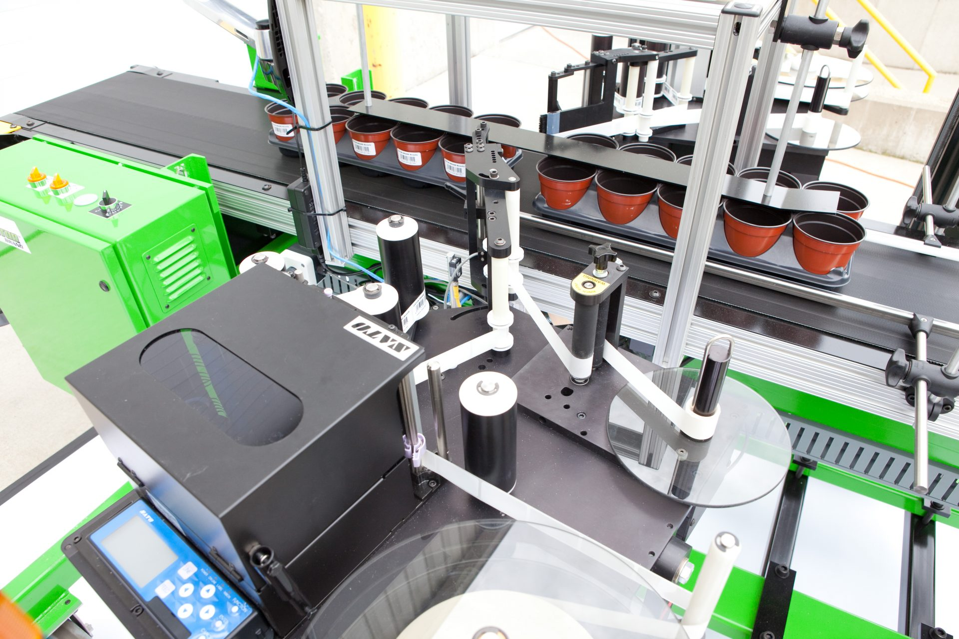 The Label Gator Two-Sided Labeling System